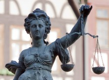 Vrouwe Justitia, door Roland Meinecke