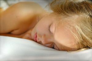 640px-Sleeping-girl-1